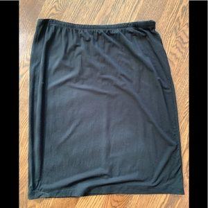 J. Jill black stretch straight skirt. Size L.